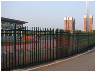 校园围墙栅栏